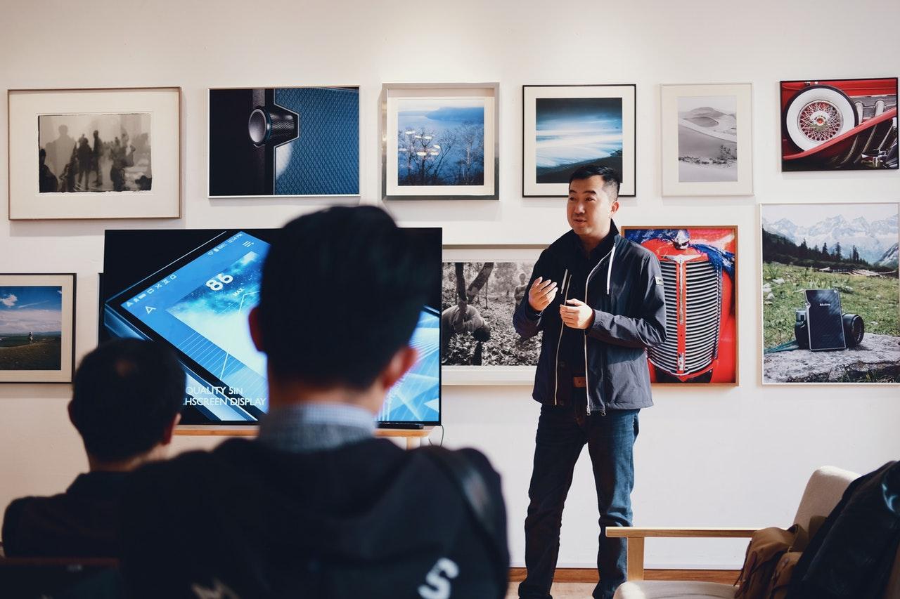 Man Using Storytelling on Presenting Business Ideas - Kaleidoskope Leadership Blog
